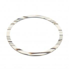 Medium size round shape Bracelet in Horn wood