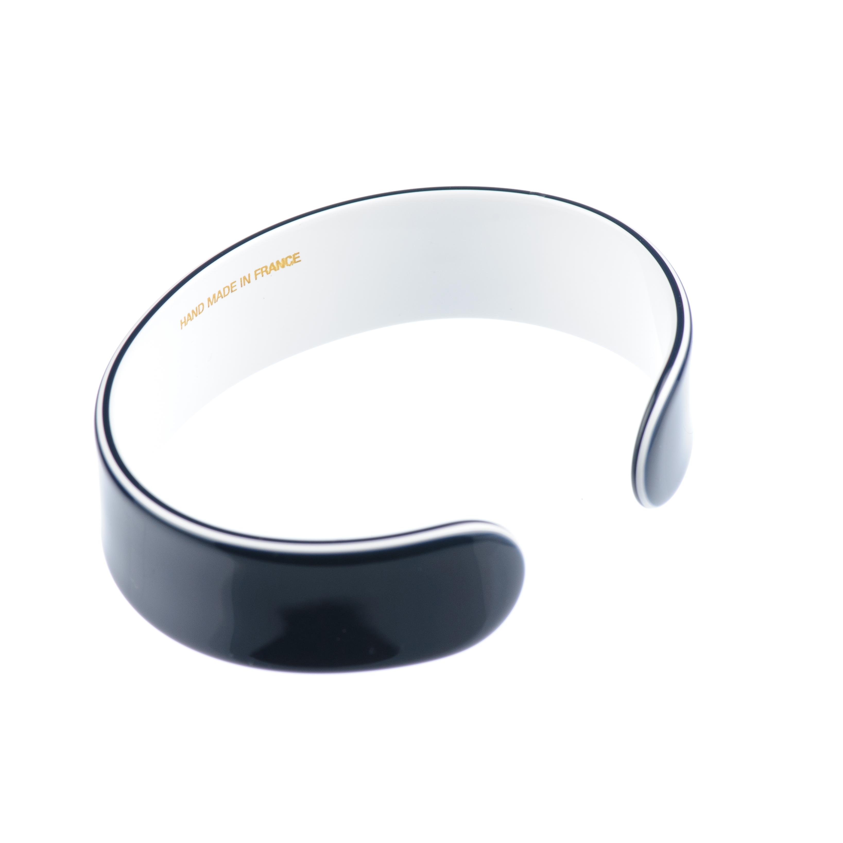 metal free bracelet