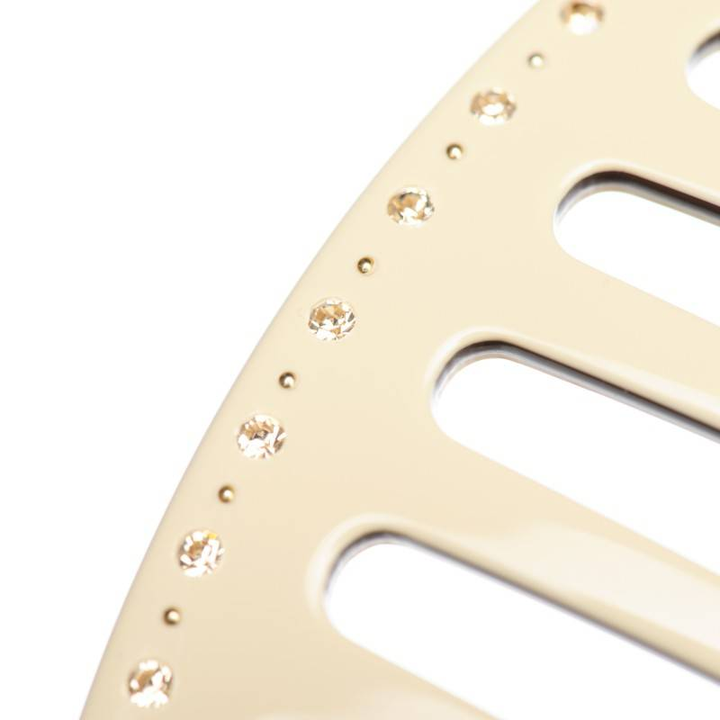 beige hair combs